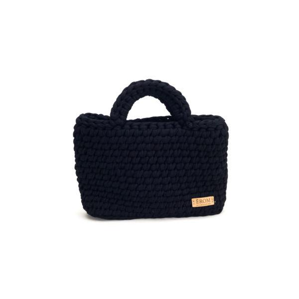 Pólófonalból horgolt táska - kicsi basic fekete | P5101